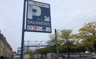Le parking des Salinières a été incendie le 18 mai 2019.