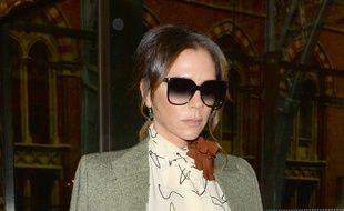 La styliste Victoria Beckham à la gare de St Pancras à Londres