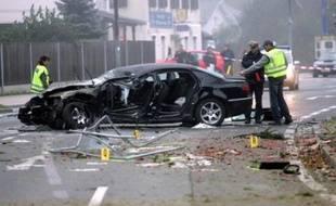 Jörg Haider est décédé samedi à l'âge de 58 ans, des suites de ses blessures après que sa voiture a quitté la route et effectué plusieurs tonneaux alors qu'il rentrait chez lui près de Klagenfurt (sud) aux premières heures du jour, selon la police.