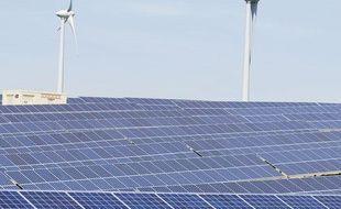Le premier site de production mixte d'énergie solaire et éolienne a vu le jour à Avignonet-Lauragais