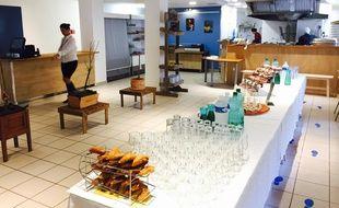 La toute nouvelle cafétéria peut accueillir 120 personnes chaque midi.