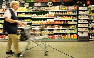 L'inflation a légèrement reculé en avril dans la zone euro, à 2,6% sur un an contre 2,7% le mois précédent, a indiqué lundi l'office européen des statistiques Eurostat dans une première estimation.