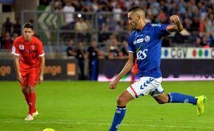 Pour la première fois contre Nîmes, Khalid Boutaïb a marqué un penalty sous les yeux de Thierry Laurey, son entraîneur pour la troisième année.