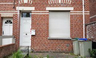La maison du suspect du meurtre d'Angélique a été dégradée.