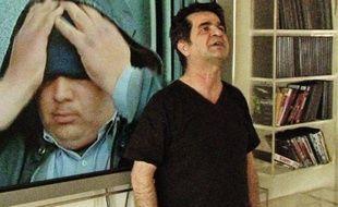 Jafar Panahi, condamné à 6 ans de prison et 20 ans d'interdiction de tourner.