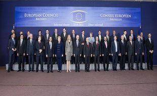 Photo de famille des chefs d'Etat et de gouvernement réunis à Bruxelles le 23 mai