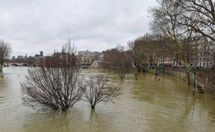 Paris fait face à la crue de la Seine en janvier 2018