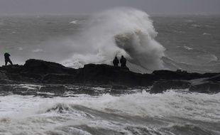 La tempête Bella a frappé Porthcawl, en Grande-Bretagne, le 26 décembre 2020