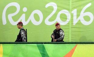 Des policiers brésiliens lors des Jeux Olympiques le 18 août 2016