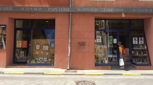 A Arles, la libraire des éditions Actes Sud de Françoise Nyssen, ministre de la Culture.  – Adrien Max / 20 Minutes