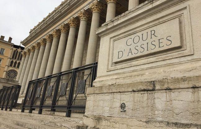 Lyon: Vingt-cinq ans de réclusion pour s'être acharné sur sa femme jusqu'à sa mort, à coups de couteau