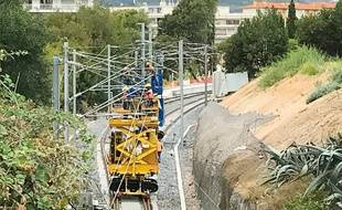 Le chantier de création d'une voie d'évitement, à Cannes-la-Bocca