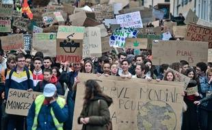 De très nombreux lycéens ont défilé dans les rues de France, vendredi. (illustration)