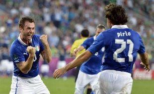 L'Espagne, qui a battu la Croatie 1-0, et l'Italie, vainqueur de l'Eire 2-0, se sont qualifiées pour les quarts de finale de l'Euro-2012, lors de la 3e et dernière journée du groupe C, lundi, en Pologne.