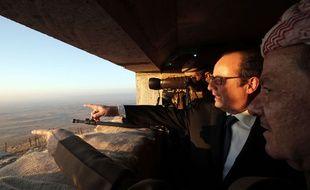 François Hollande rend visite aux soldats sur le front irakien, le 2 janvier 2017.