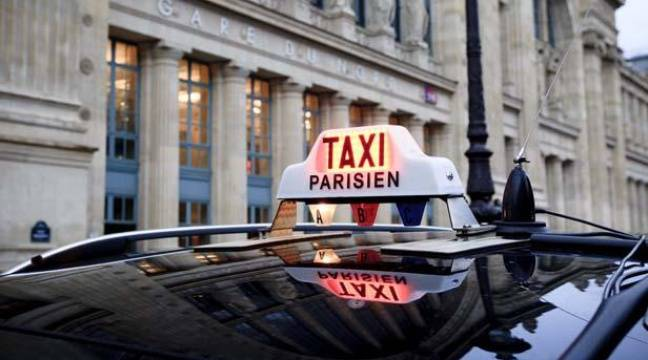 taxis l 39 achat de voitures lectriques subventionn par la mairie de paris. Black Bedroom Furniture Sets. Home Design Ideas