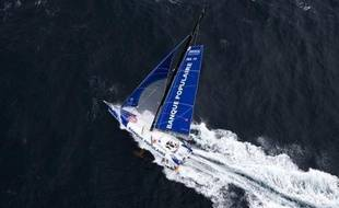 Le Français Armel Le Cléac'h était toujours en tête du Vendée Globe mercredi soir devant le Britannique Alex Thomson et le Suisse Bernard Stamm, mais le trio était menacé par un groupe de skippers ayant choisi d'allonger leur route pour bénéficier de vents plus forts.