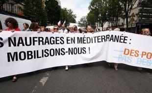 Paris, manifestation de solidarité pour les refugiés, le 20 juin 2015.Credit:SEVGI/SIPA
