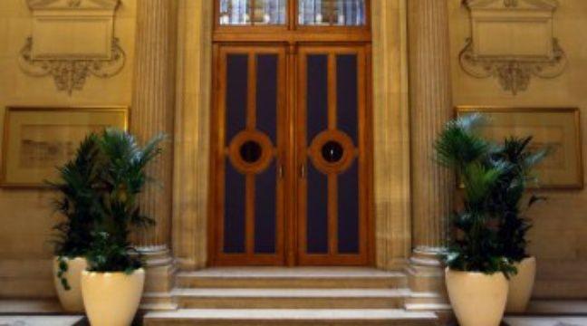 Cinq ans dont une partie avec sursis requis contre l 39 ex compagne d 39 un homme battu - Chambre contre service paris ...