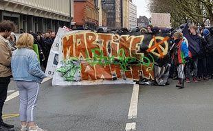 Des étudiants ont défilé à Lille pour dénoncer les violences à la fac de droit.