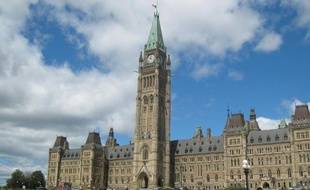 Ottawa a demandé d'invalider la loi provinciale qui accorde au Québec le droit de décider de son indépendance, a révélé samedi un magazine canadien.