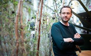 David Belliard, à la terrasse du café Le Verre Luisant, dans le 4e arrondissement