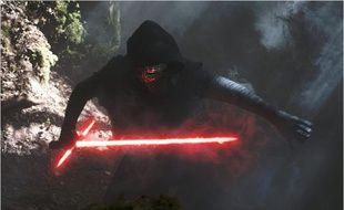 Adam Driver dans Stars Wars - Le Réveil de la Force