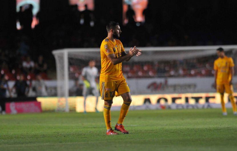 Mexique: Gignac s'excuse après avoir marqué un but à une équipe qui s'était arrêtée de jouer