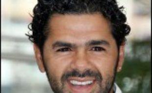 """Jamel Debbouze a égratigné Nicolas Sarkozy en estimant qu'""""on (pouvait) s'attendre à tout"""" avec le ministre de l'Intérieur, jeudi lors d'une conférence de presse présentant le film """"Indigènes"""", en compétition à Cannes, dans lequel l'acteur tient un des rôles principaux."""