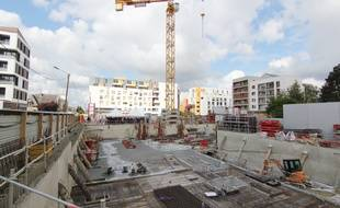 Le chantier Port Cartier est le dernier immeuble construit sur le bord de la rue de l'Alma, à Rennes. Ici en avril 2017.