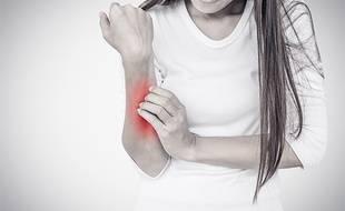 En cas de démangeaisons, une consultation chez un dermatologue s'impose.