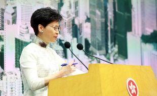 La dirigeante de l'exécutif d'Hong Kong après avoir annoncé la suspension du projet de loi