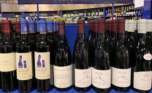 Des vins français dans un supermarché de Los Angeles, le 18 août 2019.