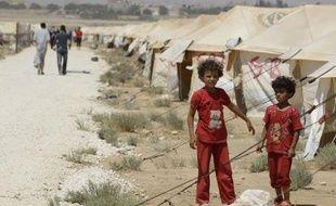 """La Jordanie """"coopèrera pleinement avec la France"""" pour apporter une aide médicale d'urgence aux victimes des combats en Syrie, a assuré mercredi l'Elysée après un entretien téléphonique du président François Hollande et du roi Abdallah II de Jordanie."""