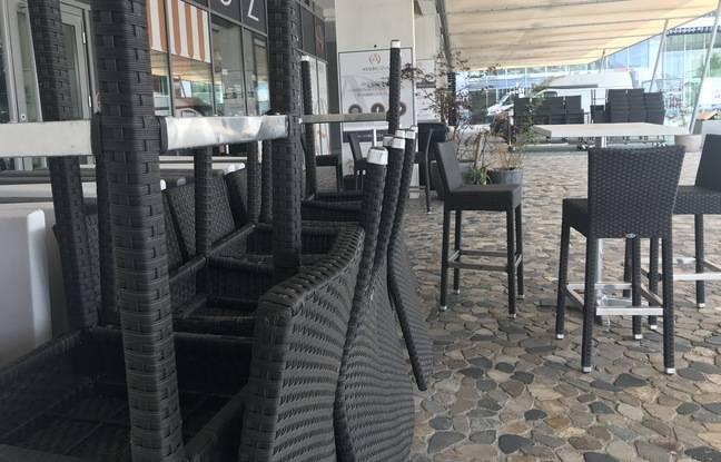 Une terrasse, sur la place Georges-Frêche, à Montpellier, ce lundi matin