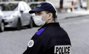 La loi instaurant un état d'urgence sanitaire a été adoptée par l'Assemblée nationale pour lutter contre l'épidémie de coronavirus.