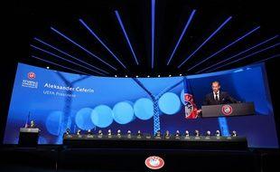 Super Ligue: Neuf des douzeclubs frondeurs sanctionnés après un accord avec l'UEFA
