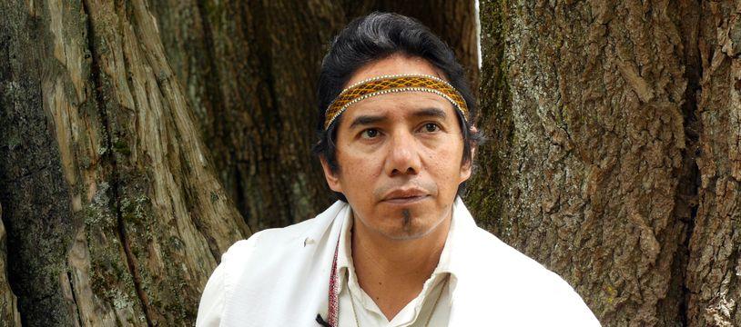Mindahi Bastida est membre du peuple Otomi, dans l'actuel Mexique