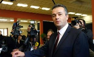 Le candidat FN Laurent Lopez élu conseiller général dans le canton de Brignoles (Var) le 13 octobre 2013.