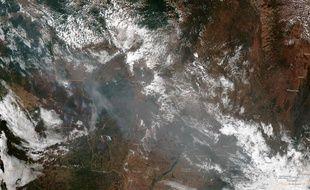 Macron: les feux en Amazonie constituent une.
