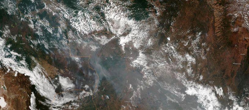 Macron: les feux en Amazonie constituent une
