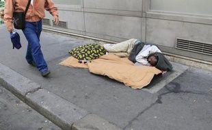 Plus d'un tiers des Français (37%) affirment avoir déjà connu, à un moment de leur vie, une situation de pauvreté, soit deux points de plus que l'an dernier
