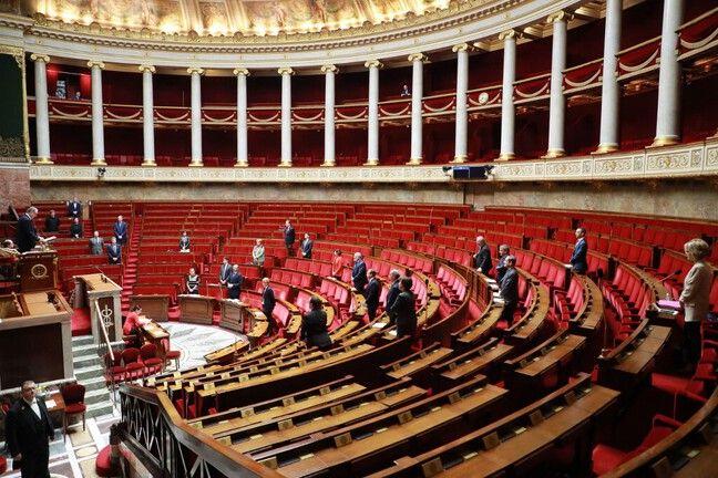 L'Assemblée très dépeuplée, le 19 mars 2020, en plein confinement.
