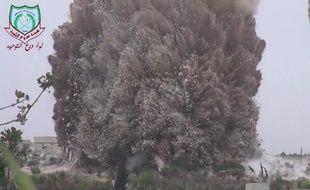 Énorme explosion dans la province nord-ouest d'Idleb en Syrie