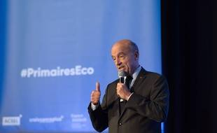 Bordeaux et candidat à la primaire à droite Alain Juppé, le 27 septembre 2016 à Paris.