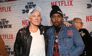 Le réalisateur Baz Luhrmann et le rappeur Nas lors du lancement de la deuxième partie de The Get Down à New York