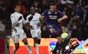 L'avant-centre du TFC Andy Delort face à Metz, le 18 novembre 2017 au Stadium de Toulouse.