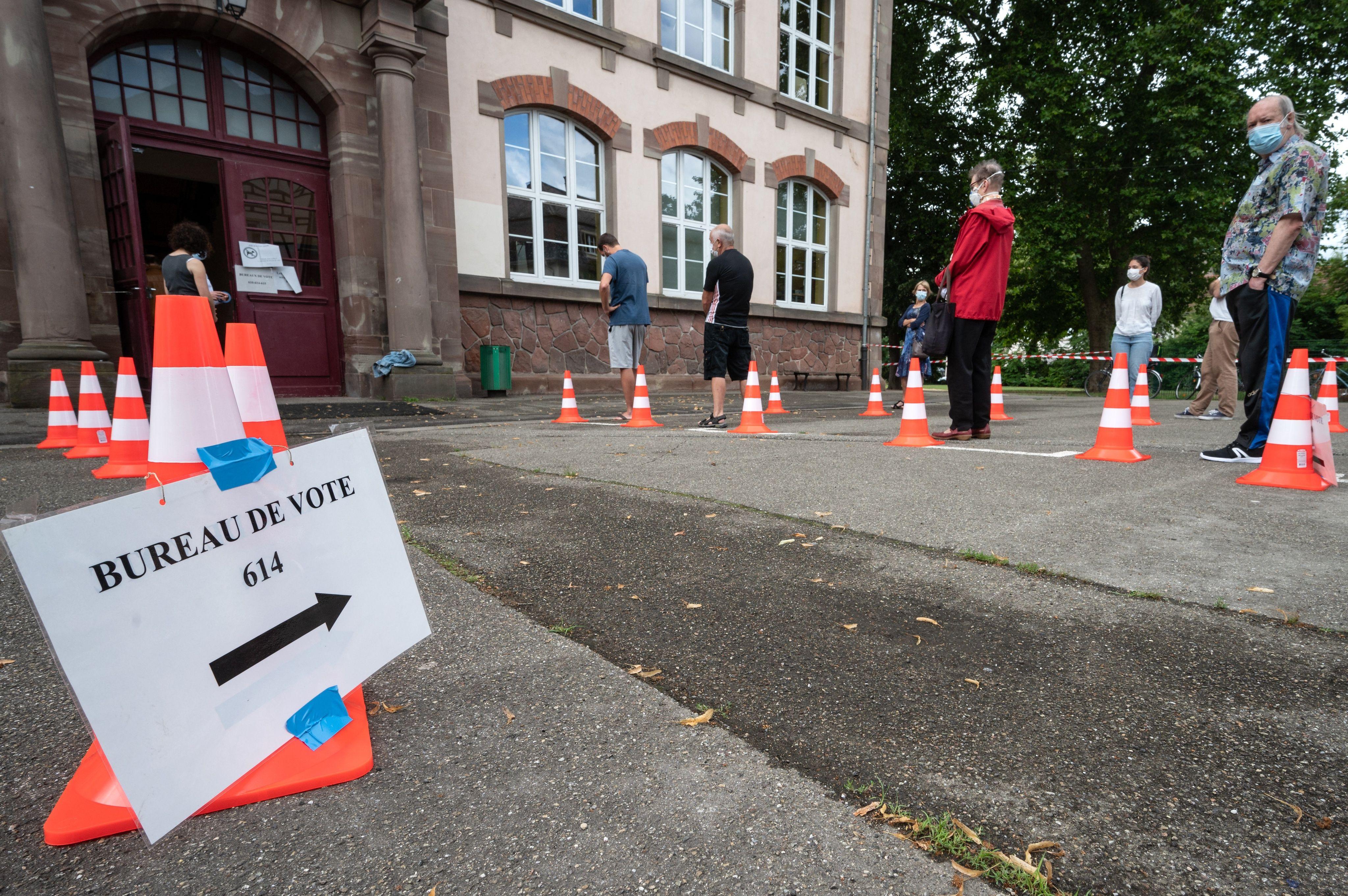 La queue devant un bureau de vote à Strasbourg, lors des municipales 2020. Illustration.
