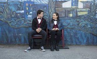 Dylan Minnette et Katherine Langford dans la série « 13 Reasons Why ».