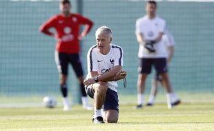 Didier Deschamps à l'entraînement de l'équipe de France à Istra, le 27 juin 2018.